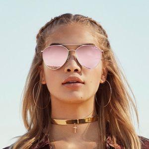 "Quay ""Jasmine"" style rose gold sunglasses"